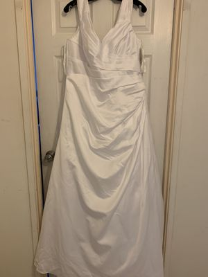 Wedding dress new - never used. for Sale in Rolling Meadows, IL