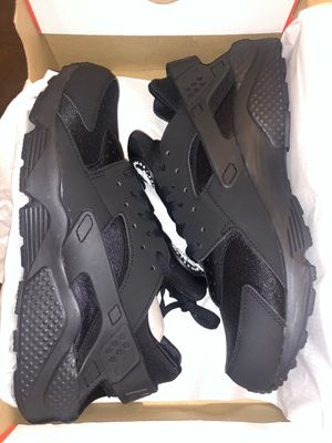 $85 FIRM PRICE NO LESS size 13 Hurrache new for Sale in North Las Vegas, NV
