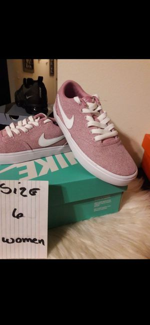 NIKE SIZE 6 WOMEN for Sale in Highland, CA