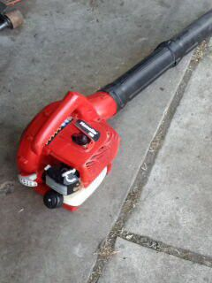 Homelite leaf blower for Sale in Roseville, MI