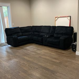 Steelville Symmetrical Reclining Sectional for Sale in Issaquah, WA