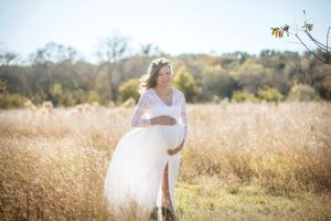 Maternity Photos Dress with long sleeve top for Sale in Flower Mound, TX