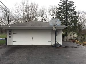 Basketball hoop FREE for Sale in Oakbrook Terrace, IL
