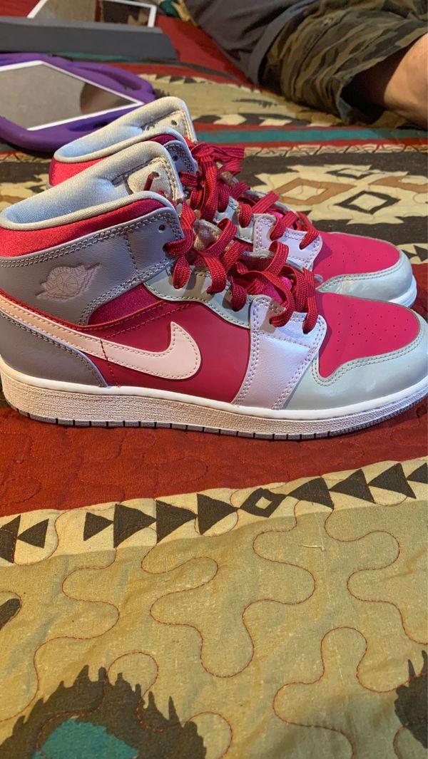Air Jordan's 1's size 6
