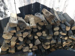 Mostly solid seasoned oak 1/2 cord for Sale in Stockton, CA
