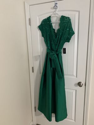 New size 14 prom dress for Sale in Crestview, FL