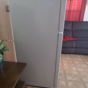 Refrigerador Pequeño for Sale in Lake Elsinore, CA