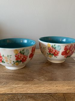 Set of 2 Pioneer Woman Bowls for Sale in Lexington,  KY