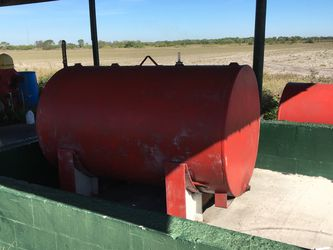 Off Road Diesel Fuel Tanks 500gal each for Sale in Bowling Green,  FL
