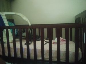 Crib and changing table for Sale in Union City, GA