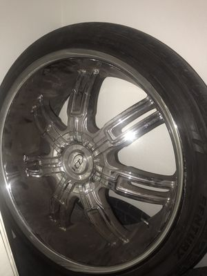 "22""VCT rims n tire minor curve damage 265/35R22 for Sale in Fort Worth, TX"