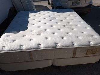King Mattress & Boxsprings for Sale in San Angelo,  TX