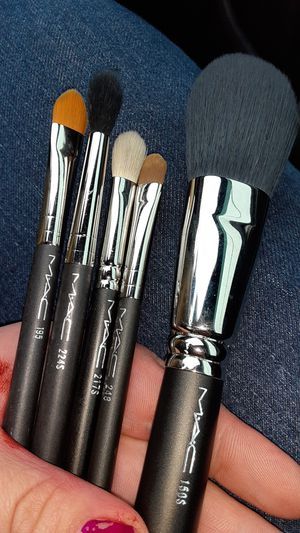 5 piece Authentic M.A.C brush set for Sale in Salinas, CA