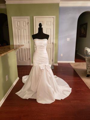 New Wedding Dress-XL/12 for Sale in Powder Springs, GA