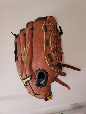 Baseball glove for Sale in Santee, CA