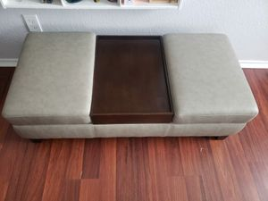 Coffee table/ couch for living room for Sale in Houston, TX