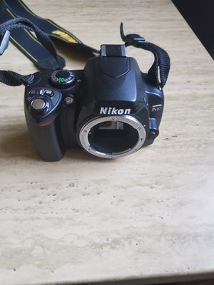 Nikon d40 camera no lense for Sale in The Bronx, NY