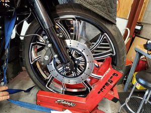 """Harley 21"""" wheel abs or no abs for Sale in Phoenix, AZ"""