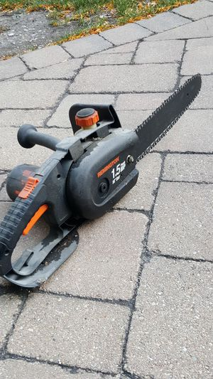 Electric chainsaw for Sale in Chicago, IL