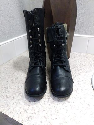 Black boots $10 for Sale in Euless, TX