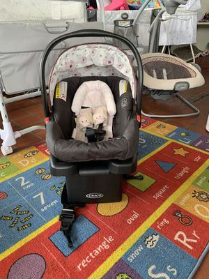 Graco infant car seat with base, head and neck support $45 firm!! for Sale in Lexington, NC