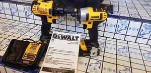 Dewalt 20 volts cordless drill set for Sale in Phoenix, AZ
