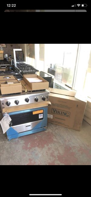 New Viking appliances stove hood and microwave for Sale in Santa Monica, CA