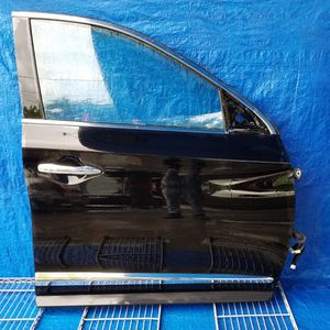 2016 - 2018 INFINITI QX60 FRONT RIGHT PASSENGER SIDE DOOR BLACK for Sale in Fort Lauderdale, FL
