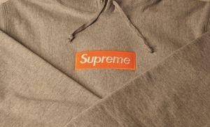 Supreme fw17 box logo hoodie XL for Sale in Falls Church, VA
