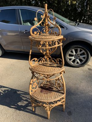 Vintage wicker corner shelf for Sale in Southington, CT