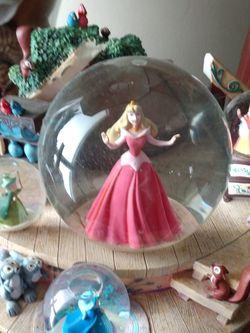 Disney Princess SNOWGLOBE Musical for Sale in Jacksonville,  FL