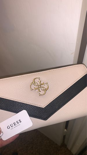 Guess wallet for Sale in Fresno, CA