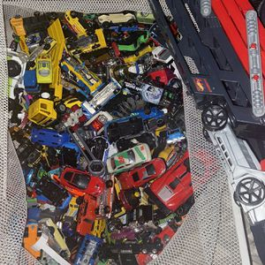 Hot wheels Cars And Truck To Carrier Cars for Sale in Laurel, MD