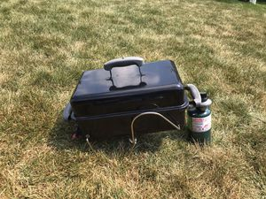 Weber portable grill for Sale in Downers Grove, IL