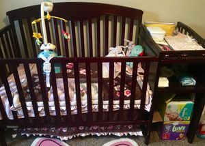 Baby crib and girl bed set for Sale in Columbus, OH