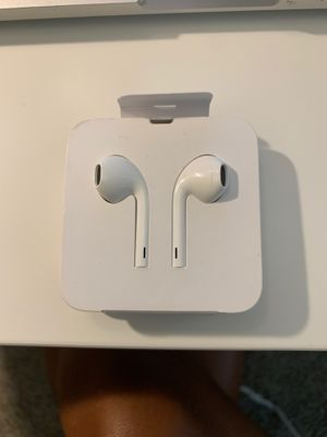 New iPhone Earbuds (Wired) for Sale in Ann Arbor, MI