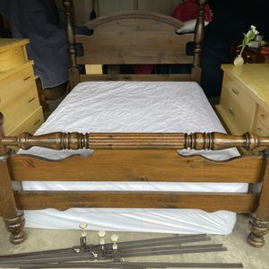Queen Size Bed w/ Wood Head Board for Sale in Baltimore, MD