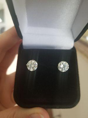 New 2.5ct moissanite diamonds stud earrings for Sale in Bloomfield Hills, MI
