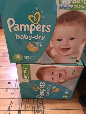 Size 4 pampers for Sale in Chicago, IL