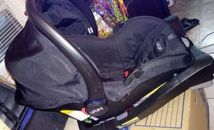 Urbini car seat and car base for Sale in Stone Mountain, GA
