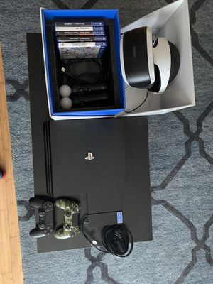 PS4 pro with vr bundle for Sale in Clarksville, TN