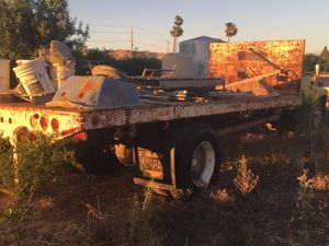 90's F700 2 ton Flatbed. for Sale in Clovis, CA
