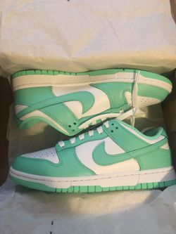 Womens Nike Dunk Green Glow Sz 8 DEAD STOCK for Sale in Chicago, IL