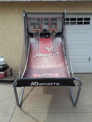TWO PLAYERS BASKETBALL HOOP for Sale in Pico Rivera, CA