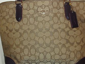 Coach 29958 Outline Signature Zip Tote Jacquard Handbag Khaki / Brown for Sale in Brier,  WA