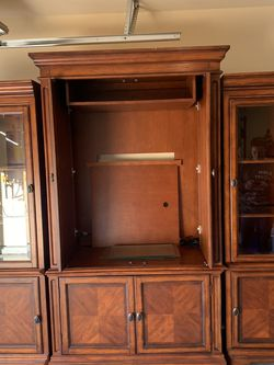 Entertainment Center for Sale in Tulare,  CA