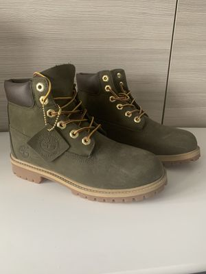 NEW FOREST NIGHT TIMBERLANDS for Sale in Falls Church, VA