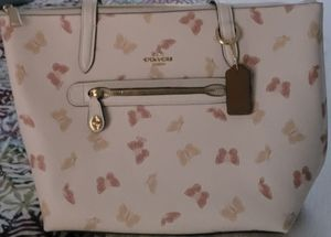 Brand new never used Coach handbag for Sale in Miami Gardens, FL