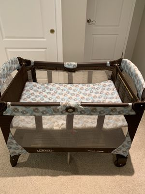 Graco Pack n Play Napper & Changer Playard for Sale in Hacienda Heights, CA
