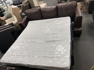 Brown Leather Sofa w/ Pull out Mattress for Sale in Fresno, CA